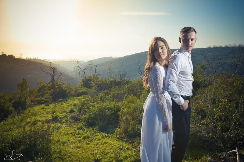 צילום עם פלאש שמוקם מאחורי הזוג המצולם