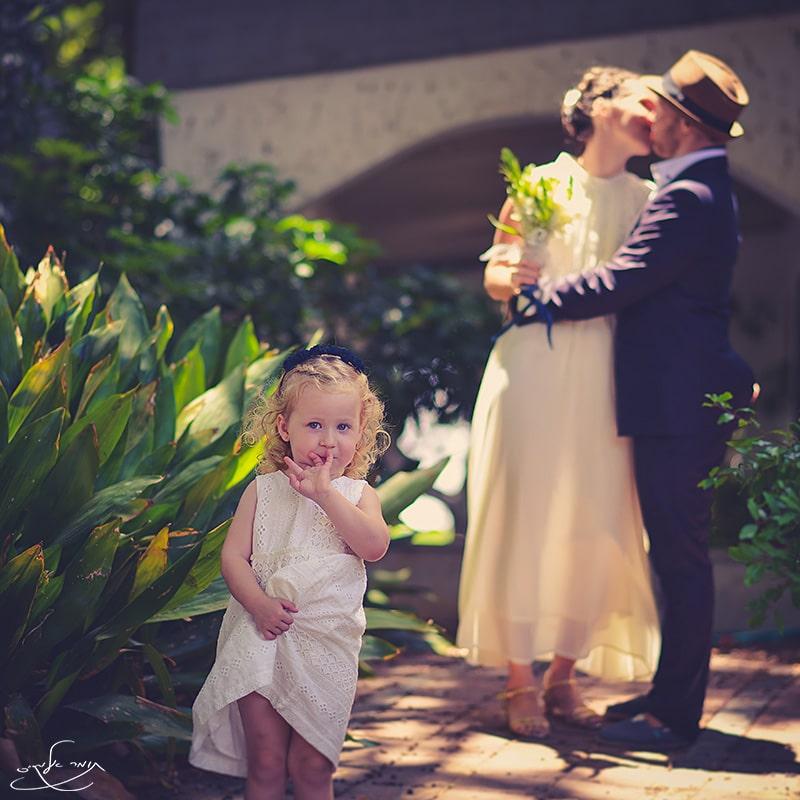 כשלזוג שאתה מצלם יש כבר ילדה. צילום: תומר אלמקייס